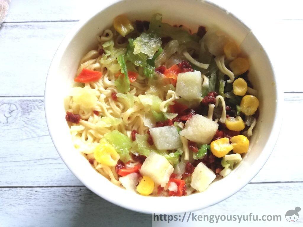 食材宅配コープデリで購入した「コープヌードル 野菜タンメン ポトフ風の味わい」完成画像