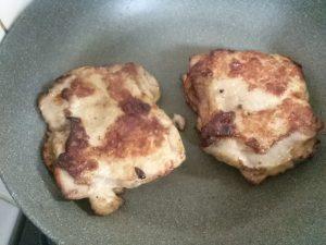 食材宅配コープデリの野菜と食べるガーリックチキンステーキをお試し 簡単料理キットそろってGOOD