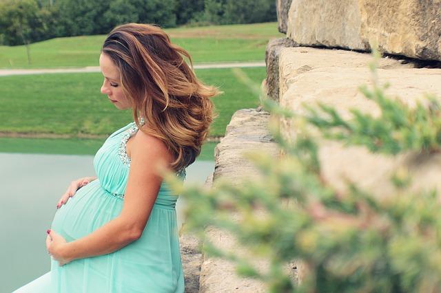 私が妊娠中、つわりの時にによく口にしていたのが「炭酸水」です。