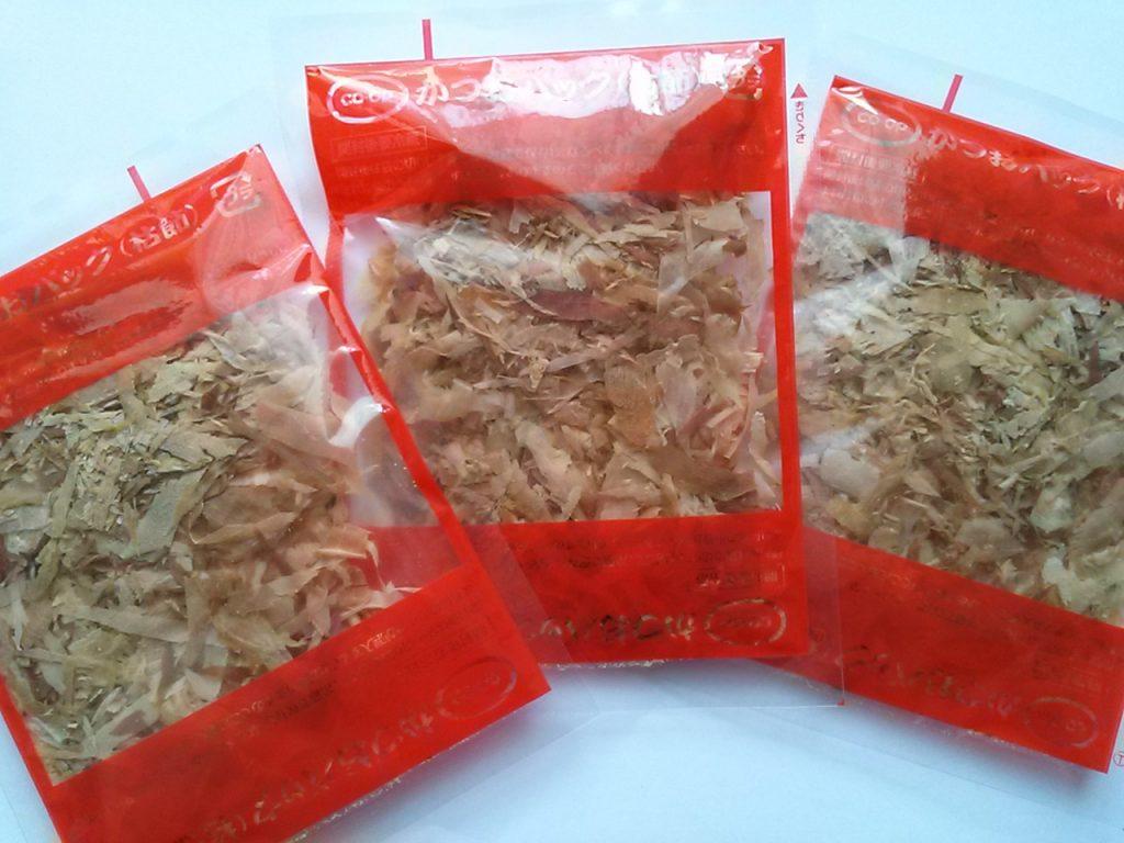 食材宅配コープデリで購入した「徳用かつおパック」子パック画像