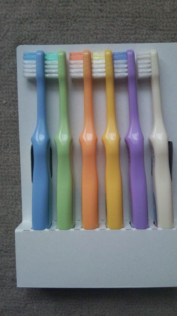 食材宅配コープデリのマスコットキャラクター ほぺたんが胸キュン♡子ども用歯ブラシ なんと12本セット 中身をチェック