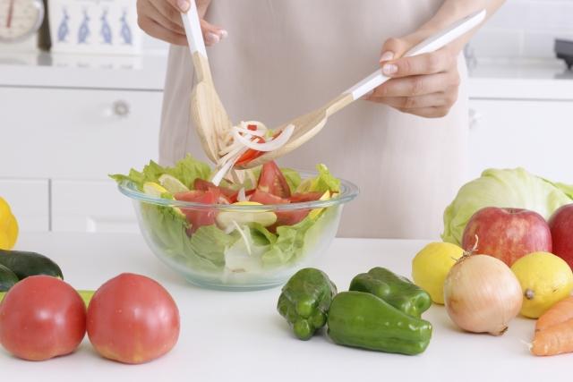「デキストリン」は原材料を均一に混ぜるために使う~食材宅配~