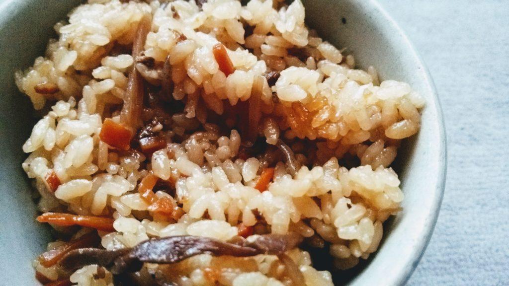 食材宅配コープデリで購入した「すき焼き風炊き込みご飯の素」炊きあがり