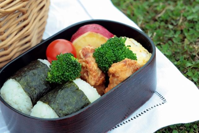 食材宅配コープデリ「鶏とチーズの磯辺揚げ」お弁当に便利!