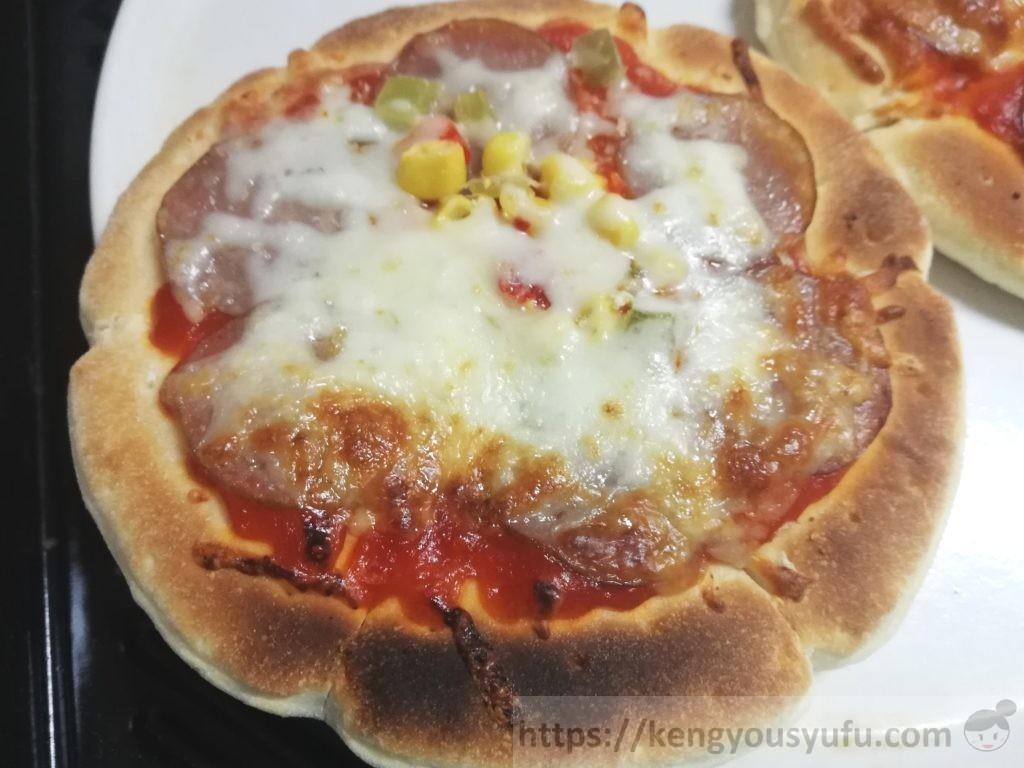 食材宅配コープデリで購入した「レンジでミックスピザ」焼いた画像2