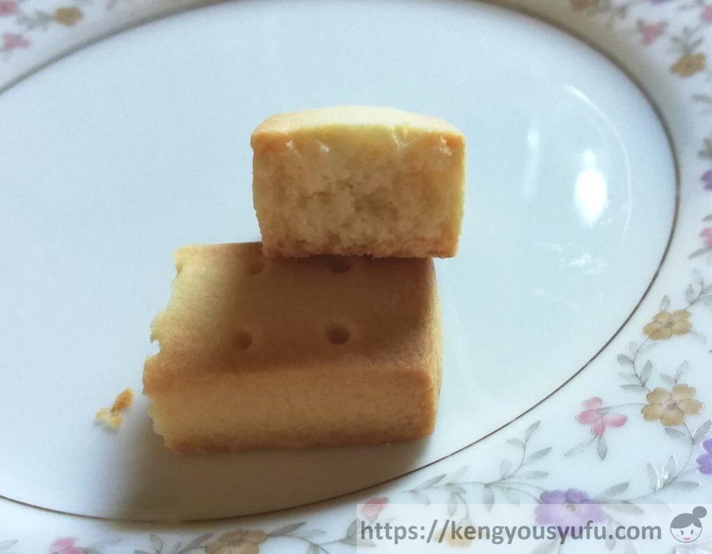 食材宅配コープデリで購入した「風味豊かな発酵バターのショートブレッド」半分に割ってみた