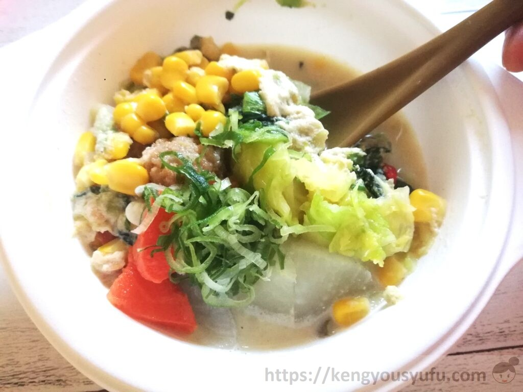 ウェルネスダイニング ベジ活スープ食「まろやかほっこりごま豆乳」具が多い