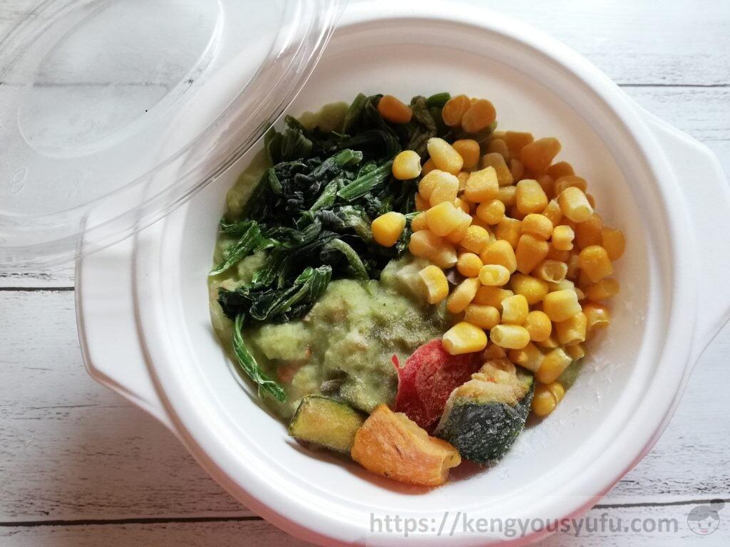 ウェルネスダイニング ベジ活スープ食「クリームほうれん草」凍ったままの画像